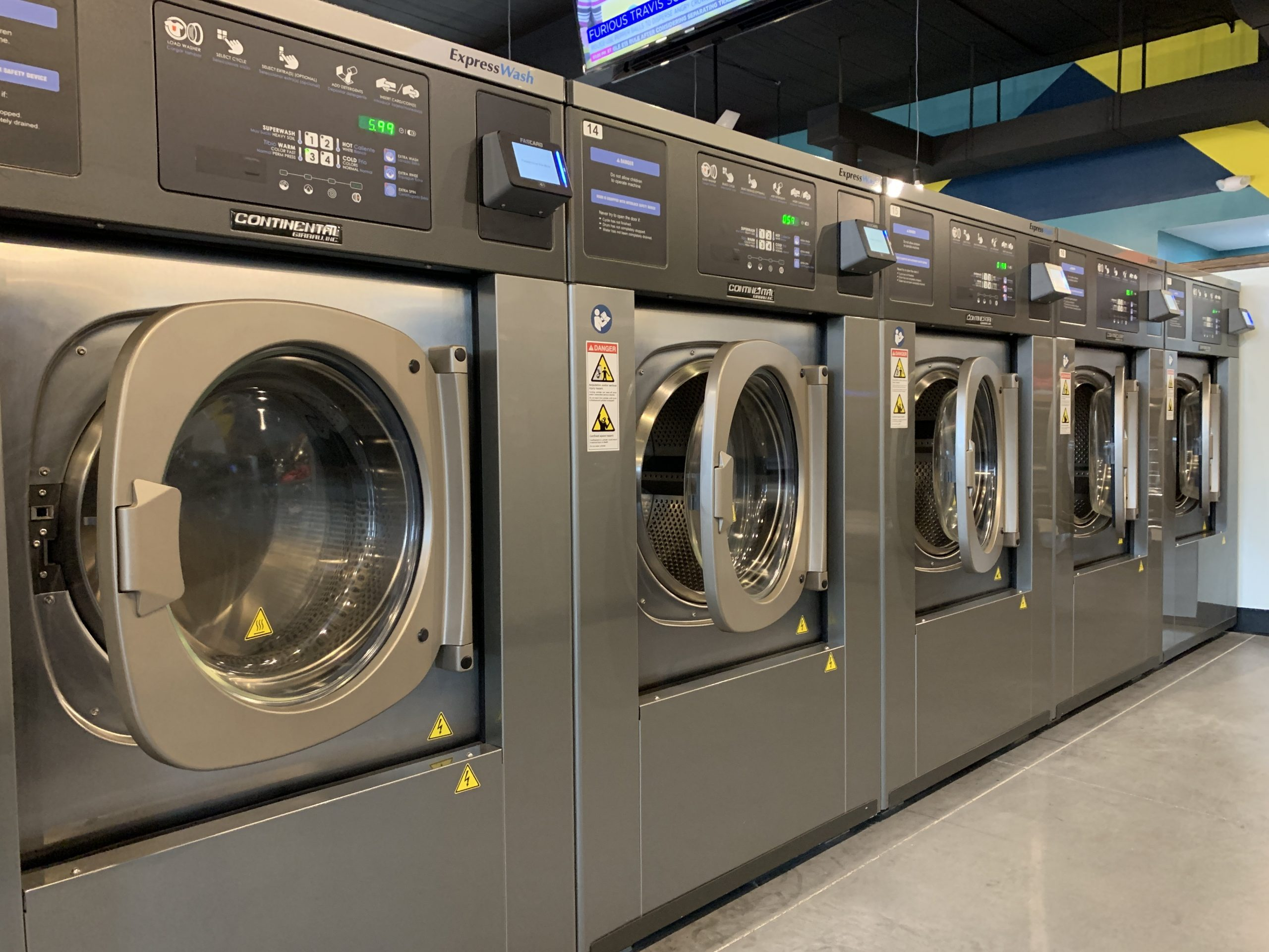 Laundromat City houses 10 EH040X Vended Washers